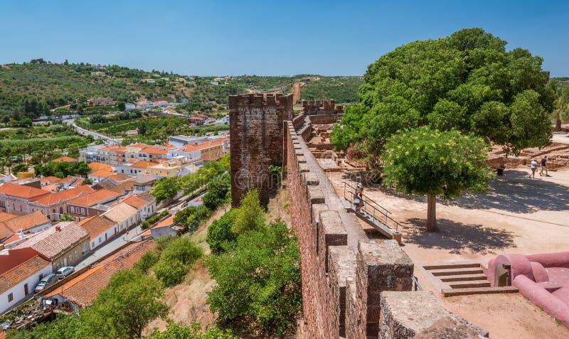 Vue panoramique des murs de château de Silves, Algarve, Portugal photo libre de droits