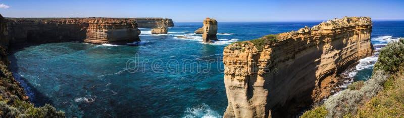 Vue panoramique du côté gauche grande océan route de loch d'Ard de gorge, Victoria, Australie image libre de droits