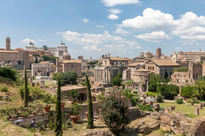 Vue panoramique du forum romain, ?galement connue par le forum Romanum photo stock