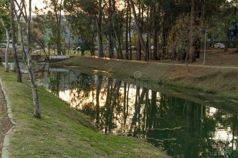 Vue panoramique du parc écologique Parque ecologico, à Indaiatuba, Brésil images libres de droits