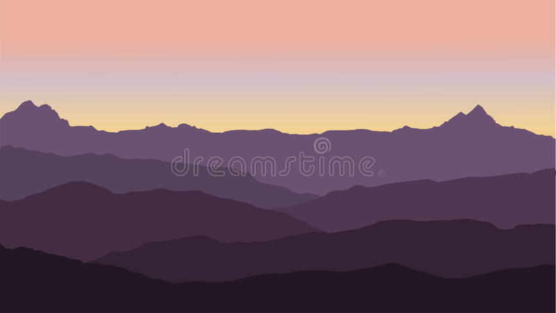 Vue panoramique du paysage de montagne avec le brouillard dans la vallée ci-dessous avec le ciel de rose d'alpenglow et le Soleil illustration stock