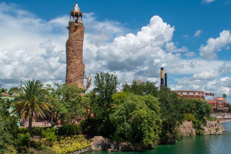Vue panoramique du phare de l'île d'Aventure et de CityWalk à Universal Studios zone 5 photographie stock libre de droits