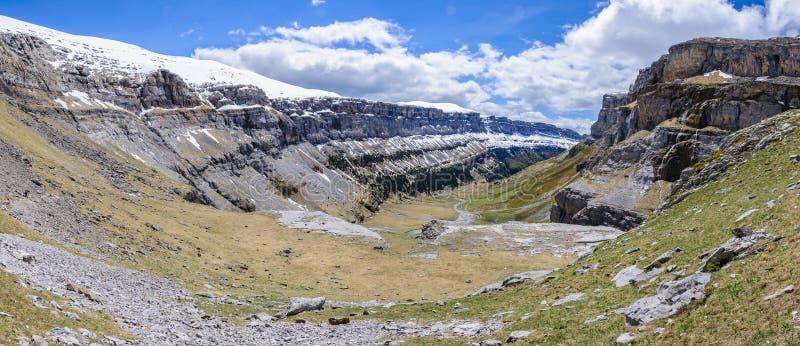 Vue panoramique en vallée d'Ordesa, Aragon, Espagne photo libre de droits