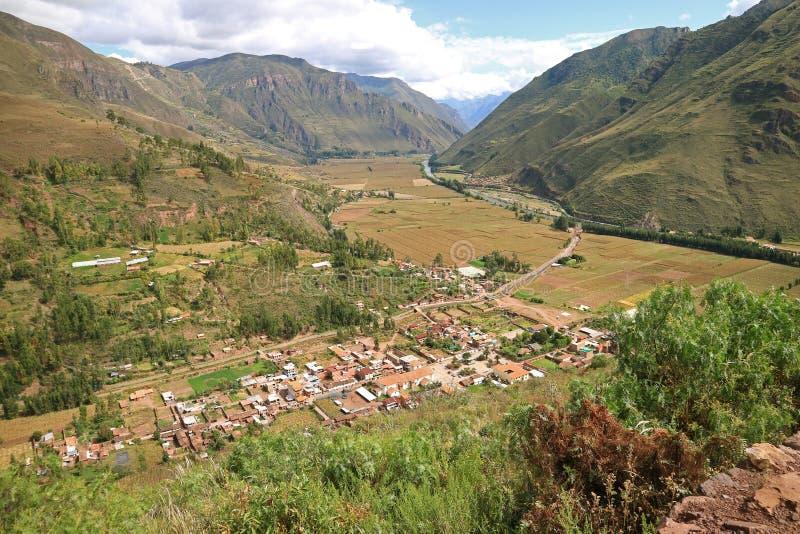 Vue panoramique impressionnante de campagne de région de Cusco, la vallée sacrée des Inca, Pérou image libre de droits