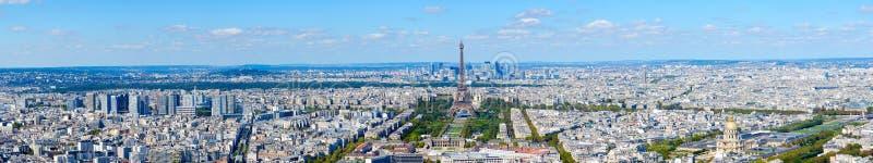 Vue panoramique scénique de ci-dessus sur Tour Eiffel, Champ de Mars, Paris, France image libre de droits