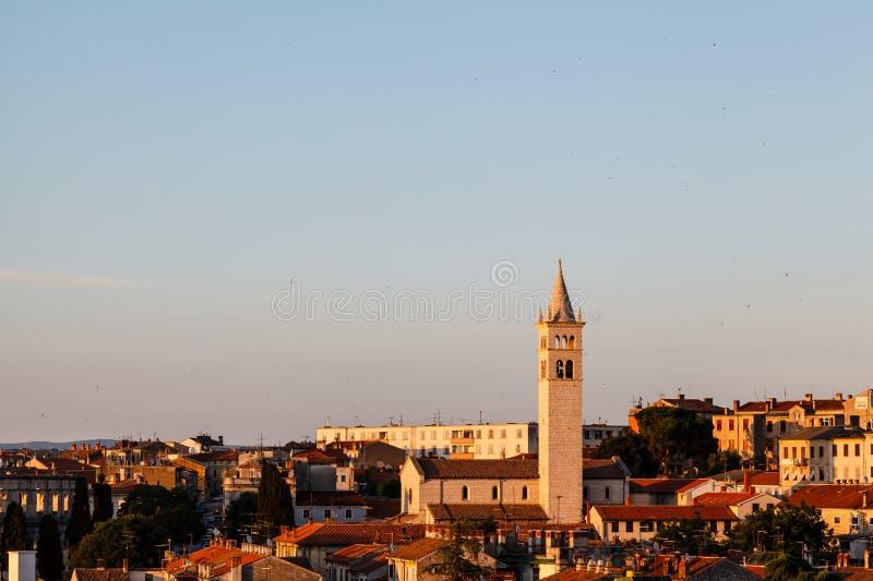 Vue panoramique sur la ville des Pula photo libre de droits