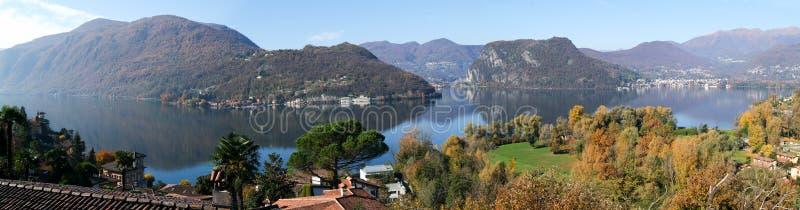 Vue panoramique sur le lac Lugano image libre de droits