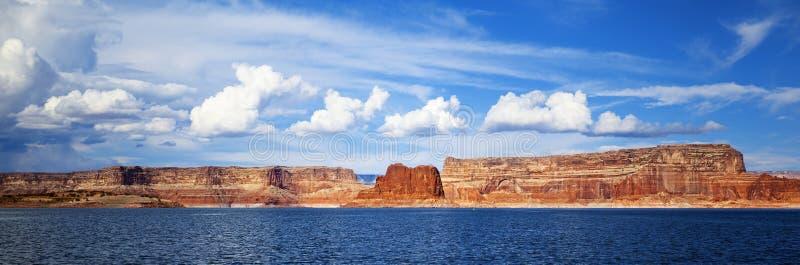Vue panoramique sur le lac Powell images libres de droits