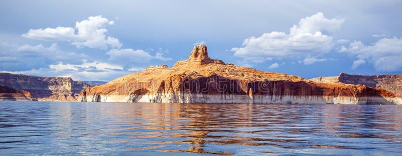 Vue panoramique sur le lac Powell photographie stock libre de droits