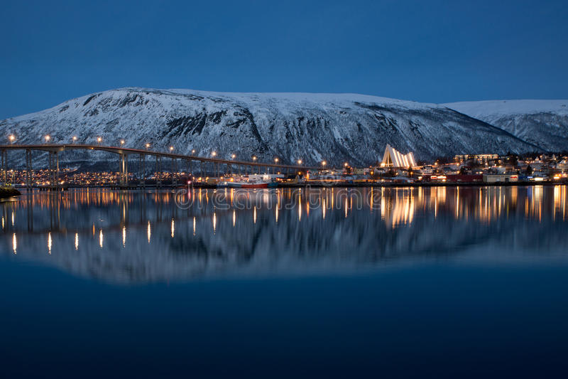 Vue panoramique sur Tromso en Norvège photographie stock libre de droits