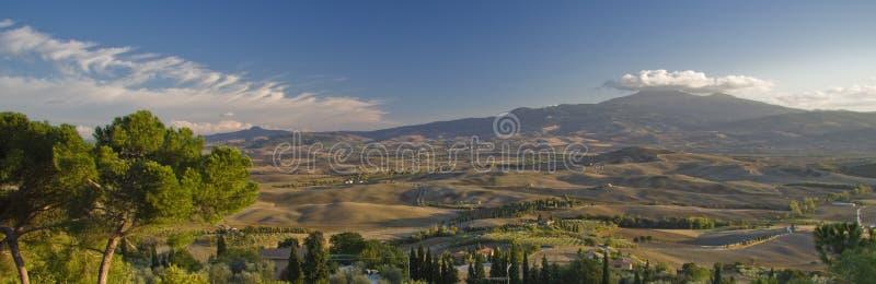 Vue panoramique vers Monte Amiata, Toscane photos stock