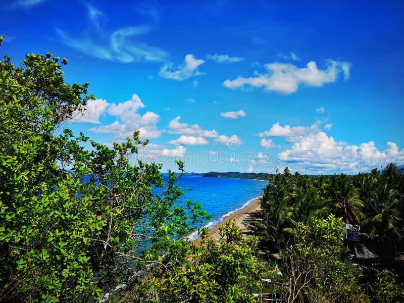 Vue parfaite sur une plage parfaite aux Philippines photographie stock