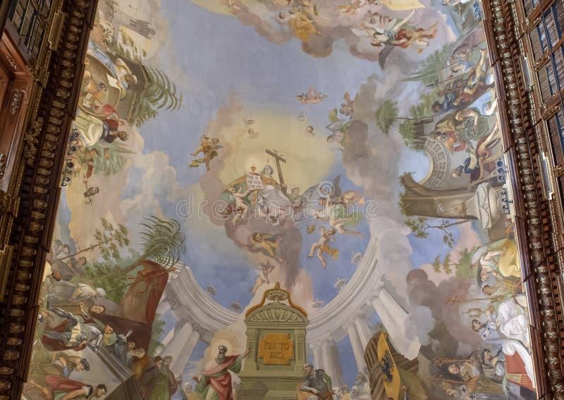 Vue partielle de fresque de plafond, Hall philosophique, bibliothèque de monastère de Strahov, Praque image libre de droits