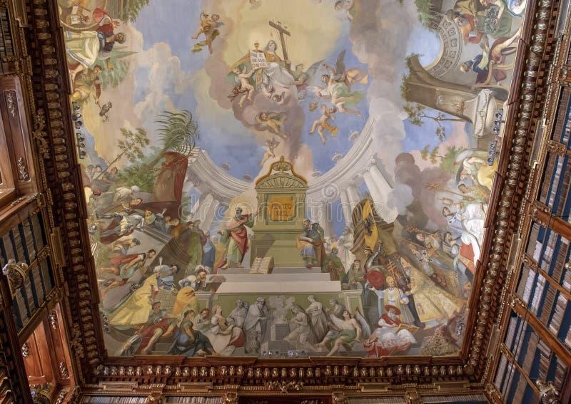 Vue partielle de fresque de plafond, Hall philosophique, bibliothèque de monastère de Strahov, Praque photo libre de droits