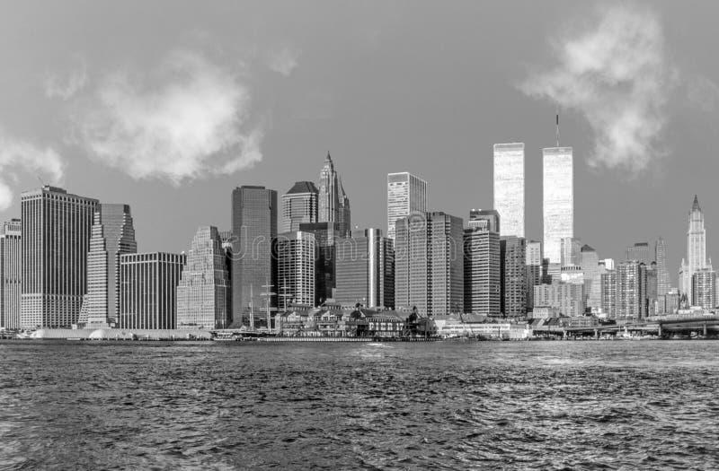 Vue pour abaisser mahattan et le World Trade Center à New York photographie stock libre de droits