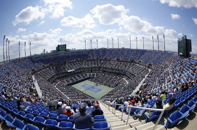 Vue régionale d'Arthur Ashe Stadium chez Billie Jean King National Tennis Center pendant l'US Open 2013 photos stock