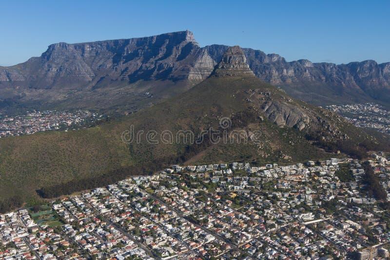Vue a?rienne de Capetown Afrique du Sud d'un h?licopt?re Panorama Cape Town Afrique du Sud de vue d'oeil d'oiseaux sur un ensolei image libre de droits