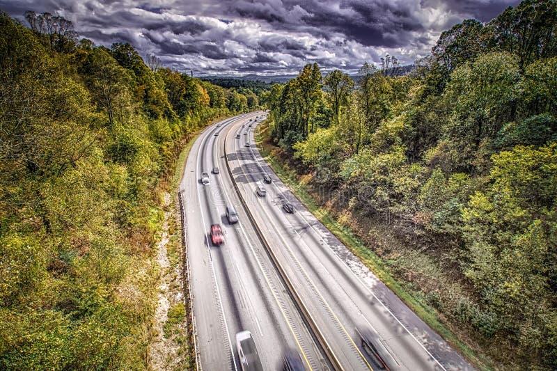 Vue a?rienne de la route i-40 en Caroline du Nord de route express bleue d'ar?te image stock