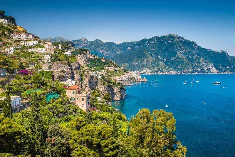 Vue scénique de côte d'Amalfi, Campanie, Italie photographie stock libre de droits