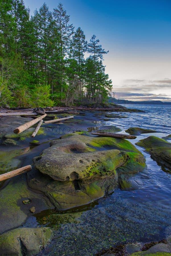 Vue scénique de coucher du soleil de l'océan de Roberts Memorial Park en Na photos libres de droits