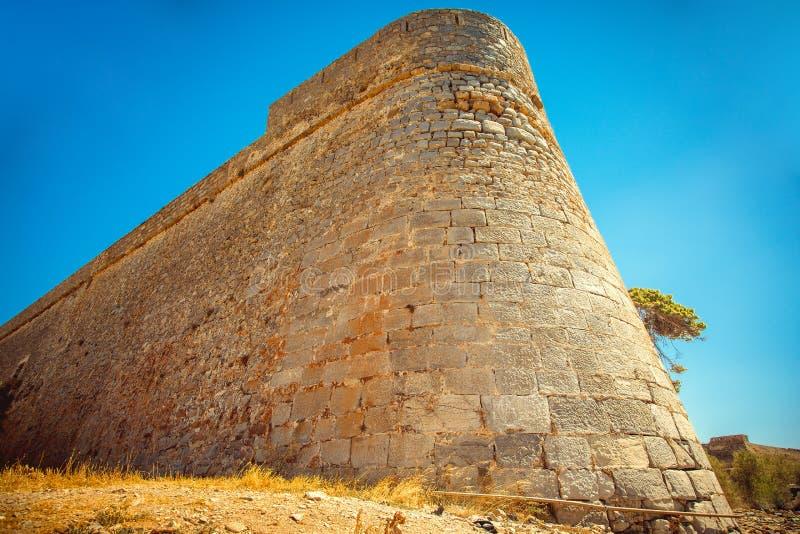 Vue scénique de la forteresse vénitienne sur l'île de Spinalonga images libres de droits