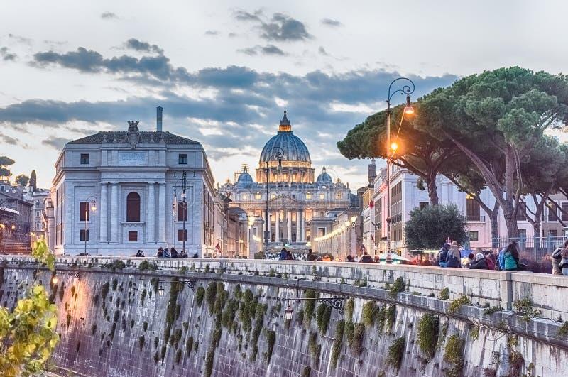 Vue scénique de St Peter ' ; cathédrale de s à Rome, Italie photo stock
