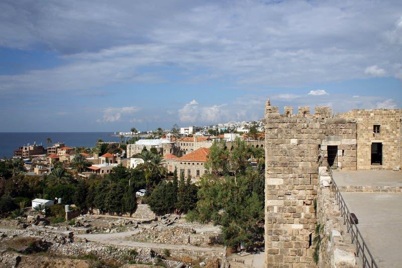 Vue scénique de vieille ville de Byblos, côte méditerranéenne, Liban photo libre de droits