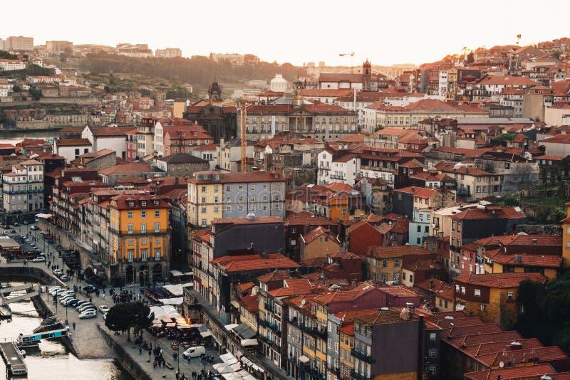 Vue scénique de vieilles ville de Porto et rivière de Douro photo stock