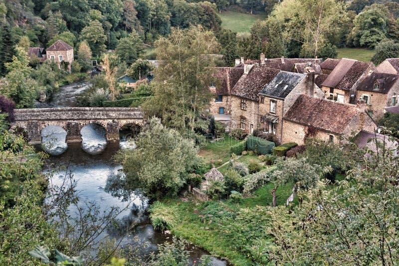 Vue scénique de village français rural étrange de pays photo libre de droits
