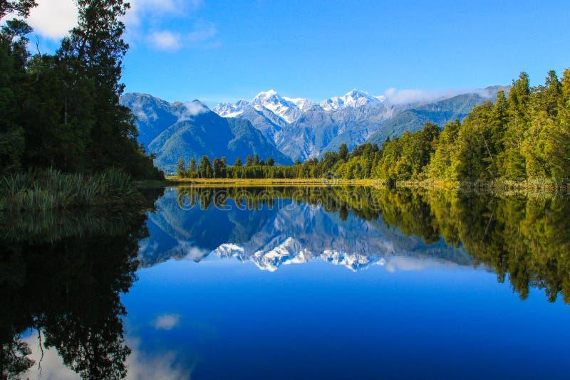 Vue scénique pour la réflexion du lac Matheson photo stock