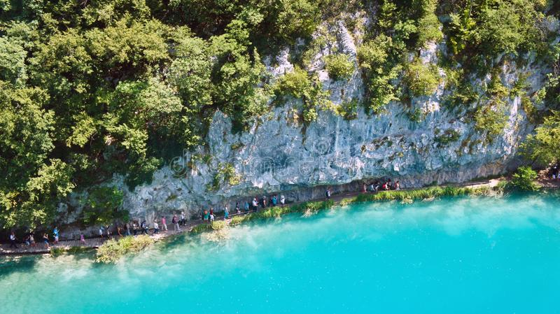 Vue scénique supérieure des lacs Plitvice, belle nature de parc national en Croatie, jour ensoleillé photos libres de droits