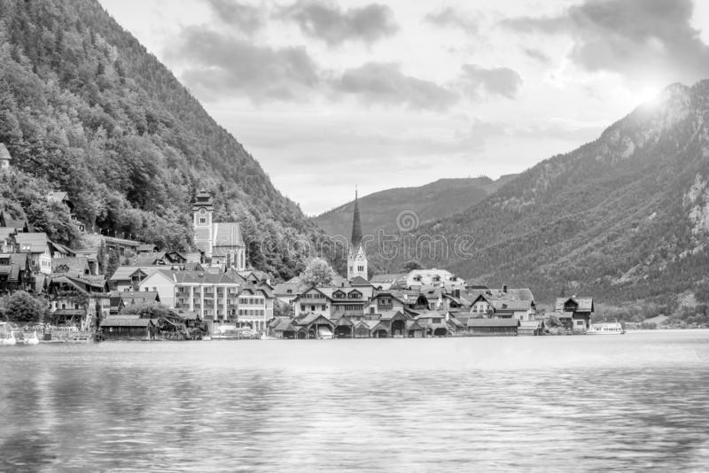 Vue sc?nique de village c?l?bre de Hallstatt en Autriche photographie stock