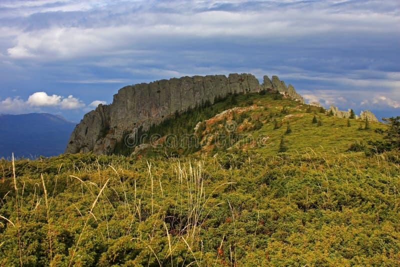 Vue spectaculaire d'une crête de montagne photographie stock libre de droits