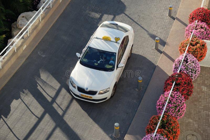 Vue supérieure d'une voiture de taxi photographie stock libre de droits
