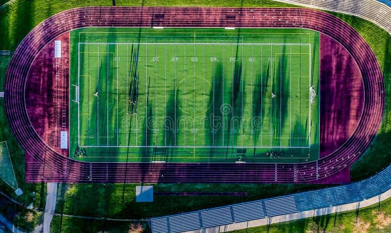 Vue supérieure de vue aérienne de cour du football photographie stock