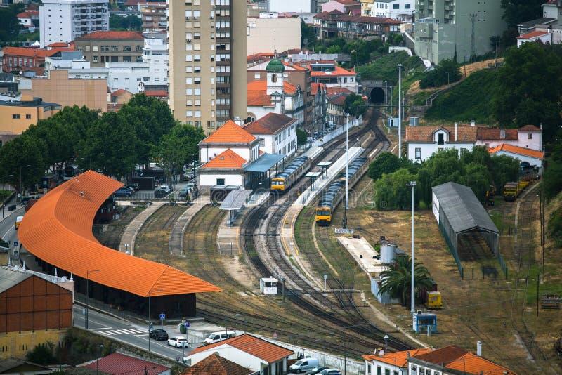 Vue supérieure de gare ferroviaire du peso DA Regua, Portugal du nord Voyage photographie stock