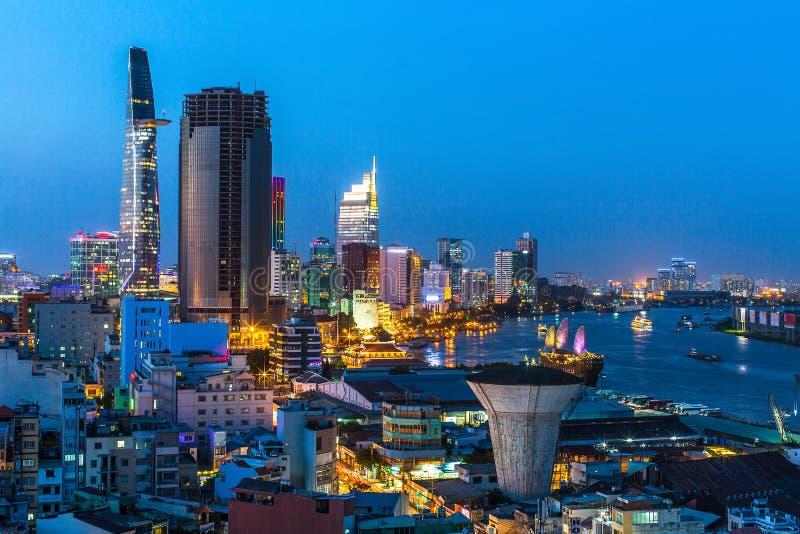 Vue supérieure de Ho Chi Minh City à la nuit, Vietnam Voyage photos libres de droits