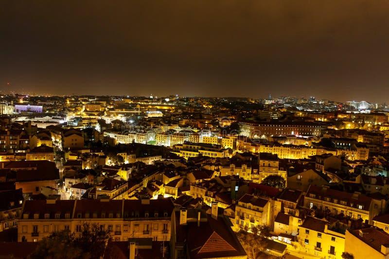 Vue supérieure de la nuit Lisbonne images libres de droits