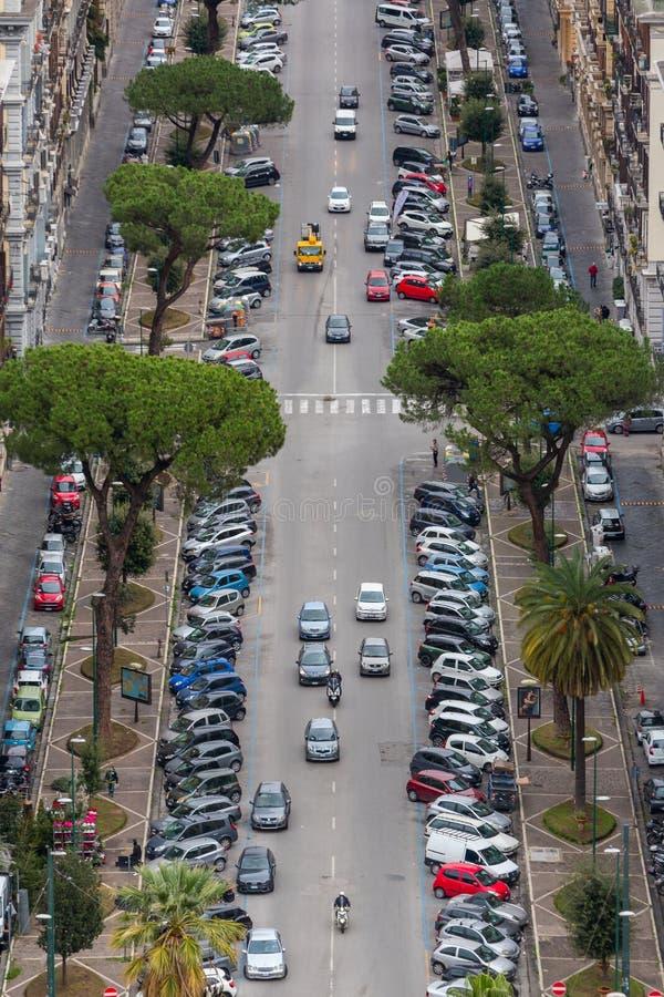 Vue supérieure de longue avenue à Naples du centre, Italie photos libres de droits