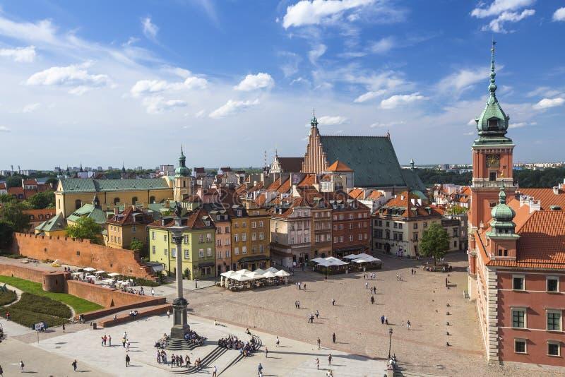 Vue supérieure de place de château avec la colonne de Sigismund du Roi à Varsovie photographie stock