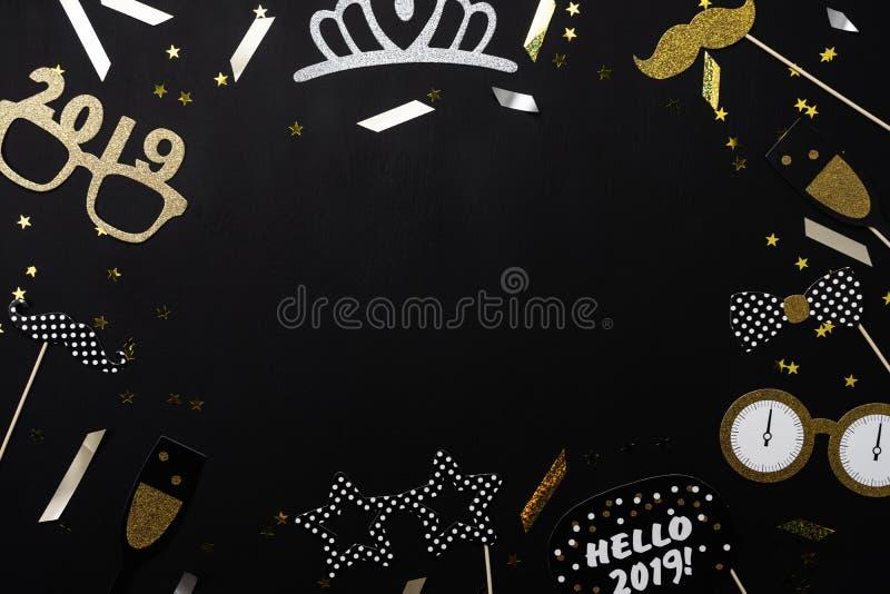 Vue supérieure de Tableau de concept de décorations de Joyeux Noël et d'ornements de la bonne année 2019 image libre de droits