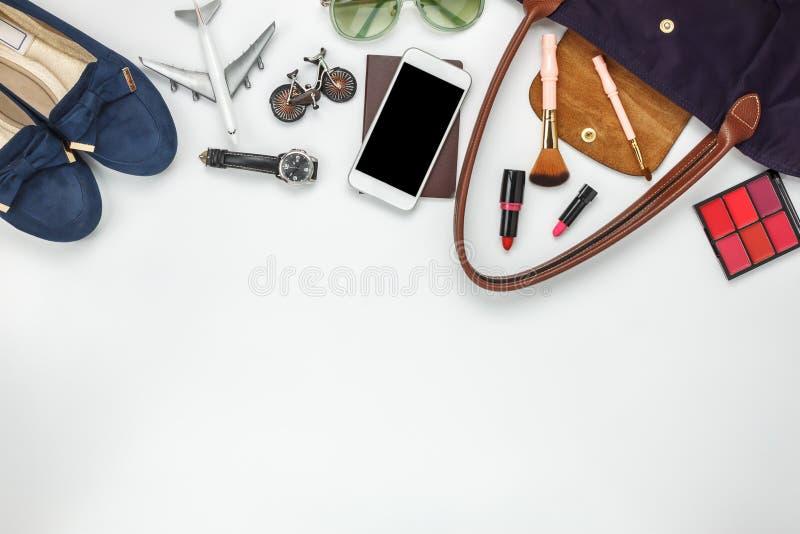 Vue supérieure de Tableau des femmes d'accessoires pour le concept de voyage photographie stock