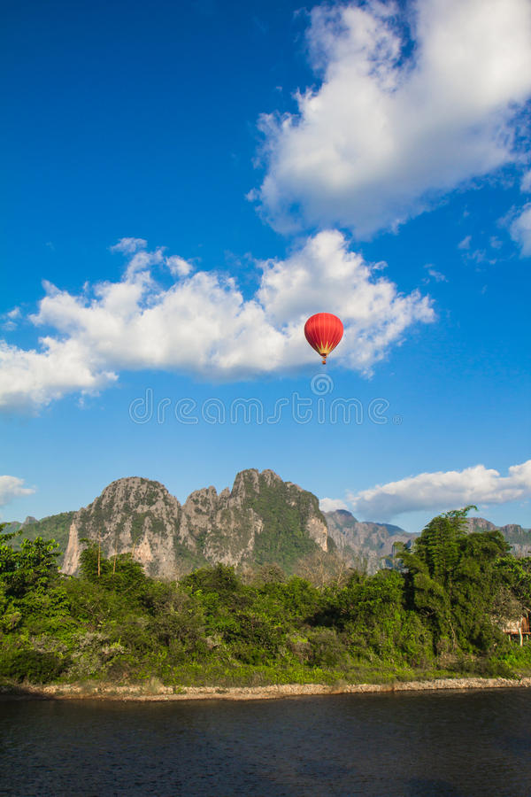 Vue supérieure de Vang Vient photographie stock