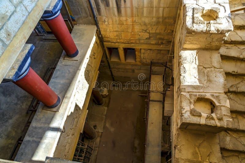 Vue supérieure des ruines de Knosos de cour de palais en île de Crète, Grèce images libres de droits