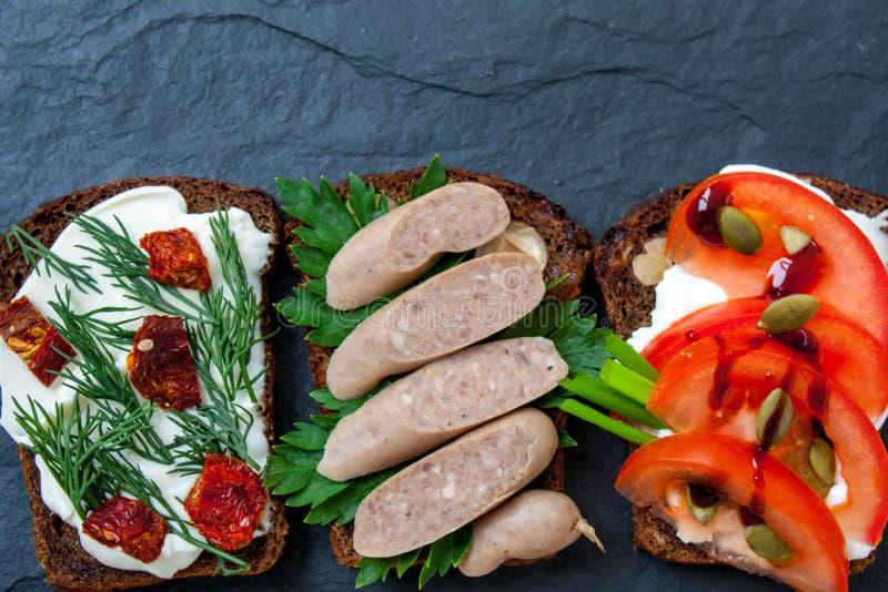 Vue supérieure des sandwichs ouverts images libres de droits