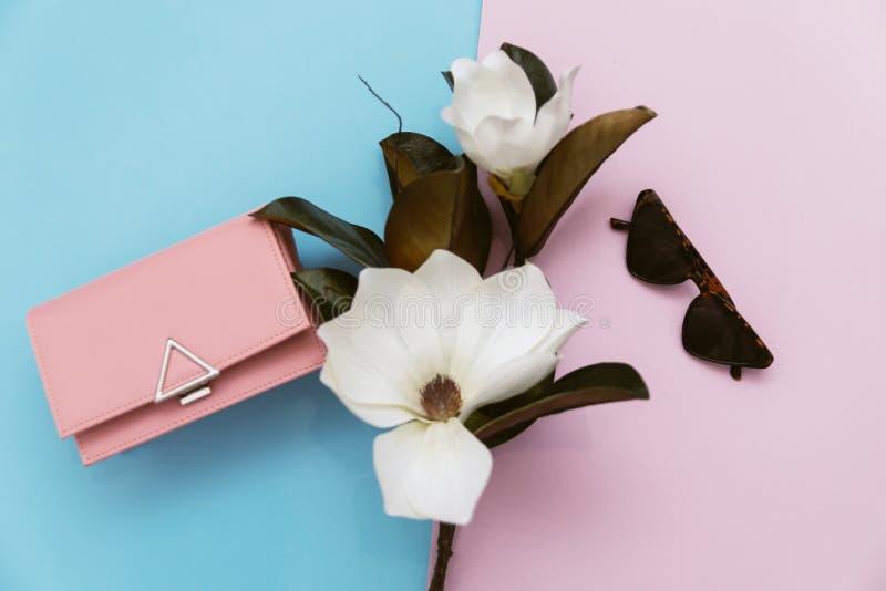 Vue supérieure et concept femelle de mode, minimalisme photographie stock libre de droits
