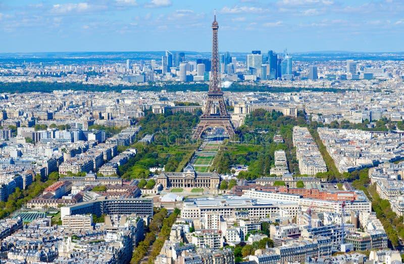 Vue supérieure scénique à Tour Eiffel et à Champs de Mars, Paris, France photos stock