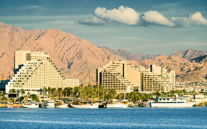 Vue sur des hôtels de ressource d'Eilat images stock