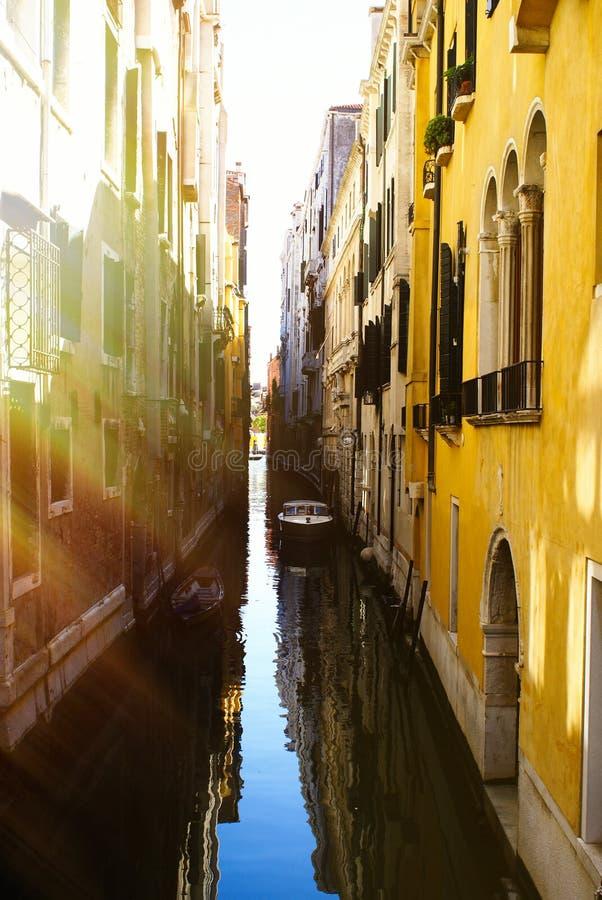 Vue sur des rues de Venise photos libres de droits