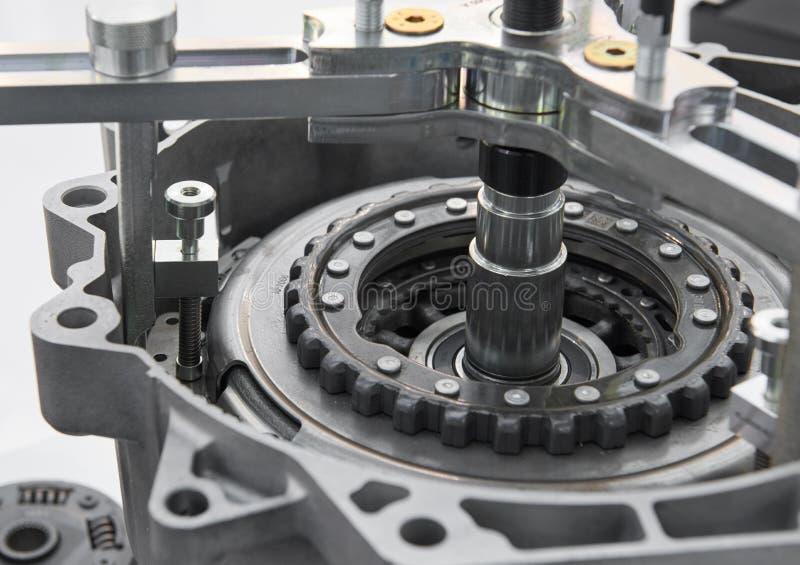 Vue sur l'outil des véhicules à moteur d'équipement pour l'uninstallation d'embrayage de voiture Outils pour l'installation d'emb photo libre de droits